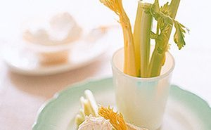 Celery-Sticks-with-Horseradish-Cream-Cheese