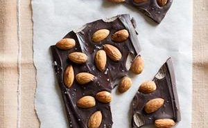 Dark-Chocolate-Almond-Bark