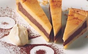 Sweet-torte-of-cannellini-beans,-ricotta-and-cocoa-powder